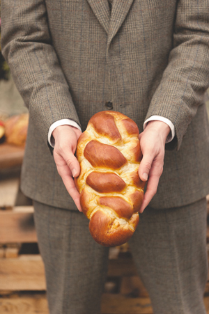hunger-games-boy-with-the-bread