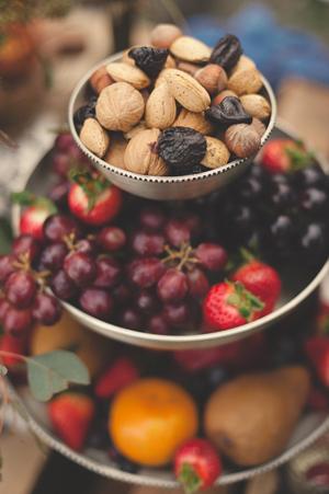hunger-games-forest-fruits